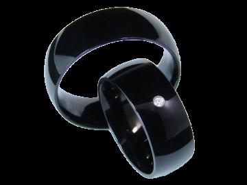 Modell Bella - 2 schwarze Diamantringe aus Edelstahl